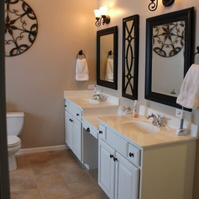 House Tour – Master Bathroom