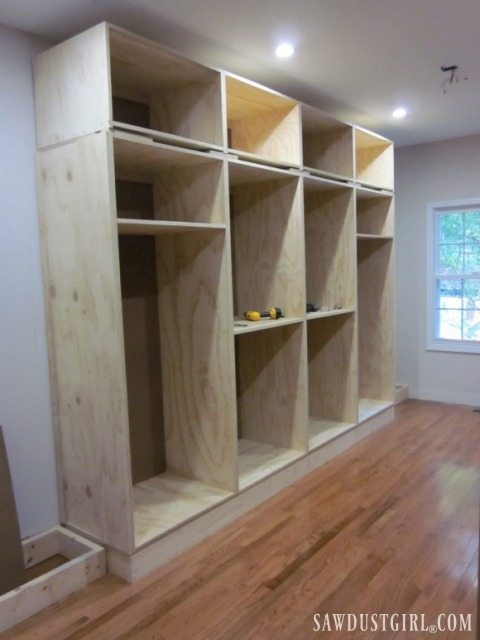 Building custom built in cabinets in walk in closet