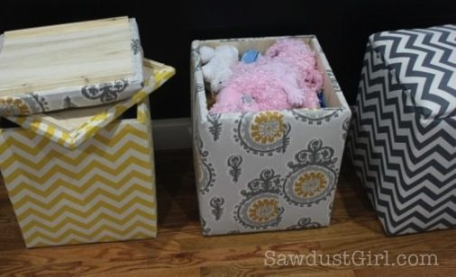 Marvelous Upholstered Storage Bench Tutorial From @Sawdust Girl
