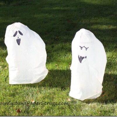 Trash Bag Ghosts {Kids Corner}