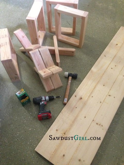 Super easy X leg bench tutorial from @Sawdust Girl