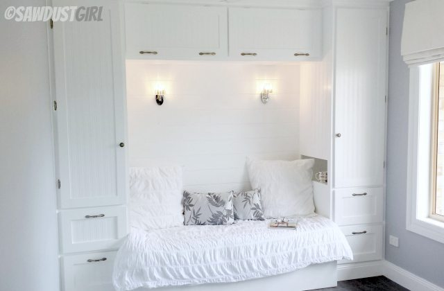 Kristy 39 s built in reading nook sawdust girl for Bed nook ideas