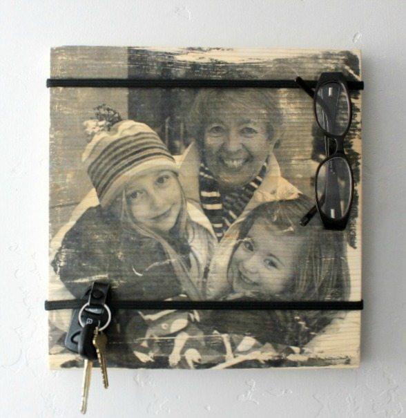 $5 DIY Organizer Board with photo