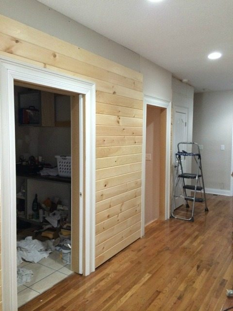 plank_walls_wide_hallway_door_casings