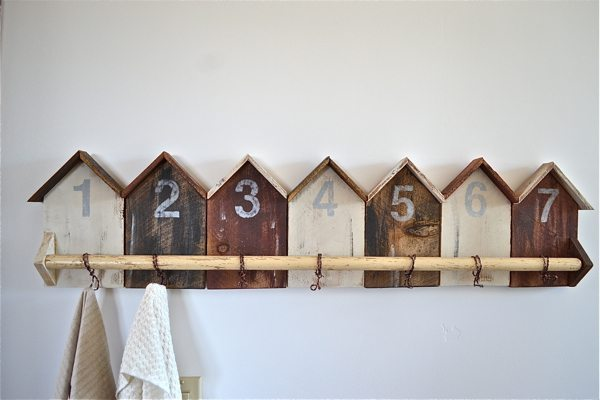 Cabin shaped Coat Rack