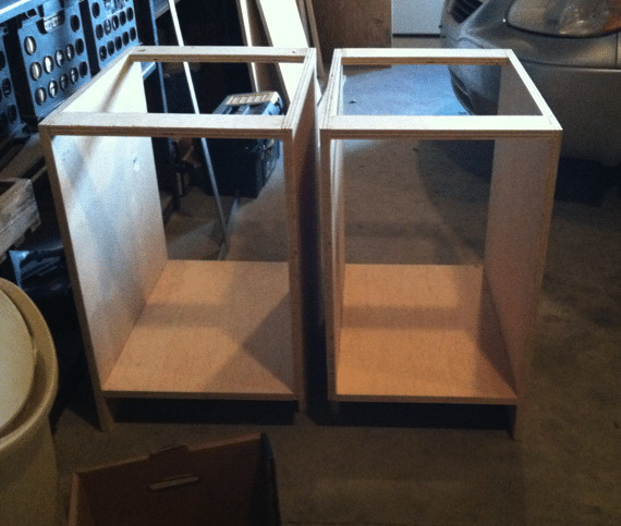 building bathroom vanity cabinets