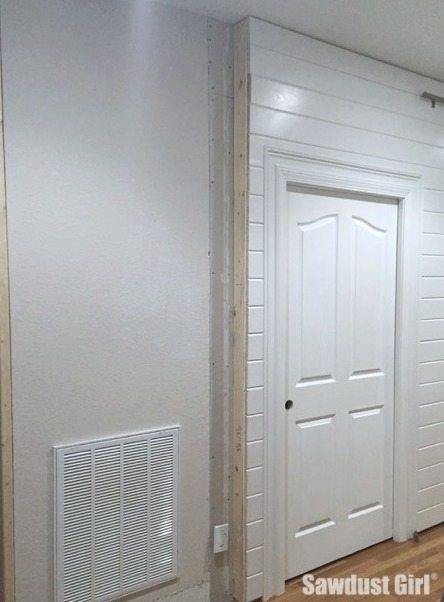 clean ends on plank wall