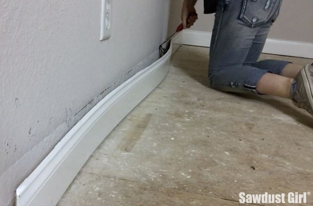 Remove baseboard with the trim puller sawdust girl How to remove paint from exterior wood trim