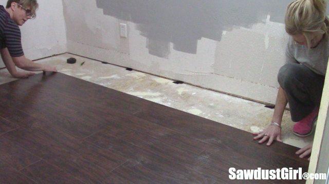 how to lay pergo flooring
