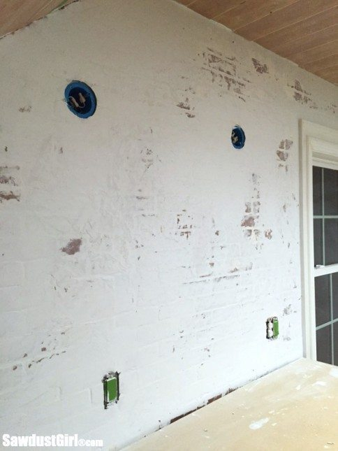 Using faux brick panels to create the look of Brick and Plaster