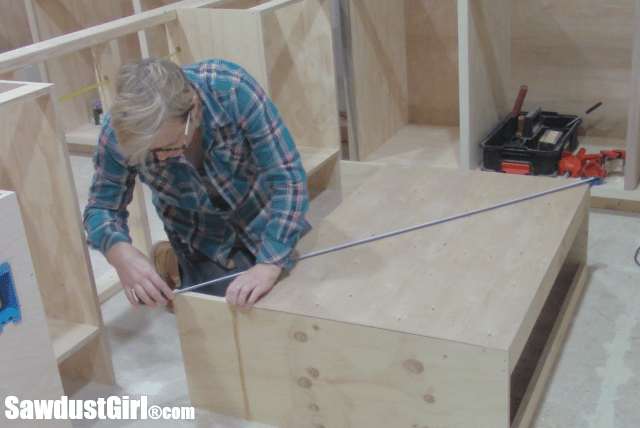 Building cabinets for the craft island