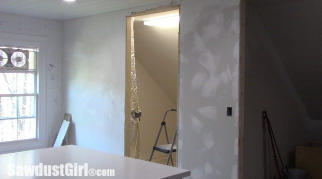 changing_closet_doorway04