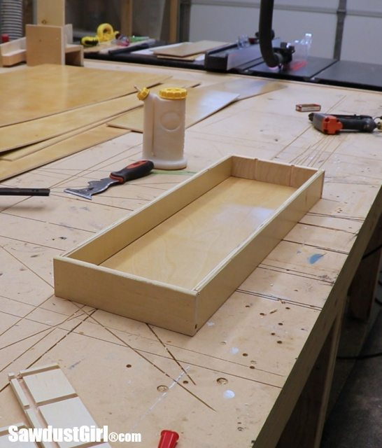How to build a cabinet drawer with locking rabbet joints