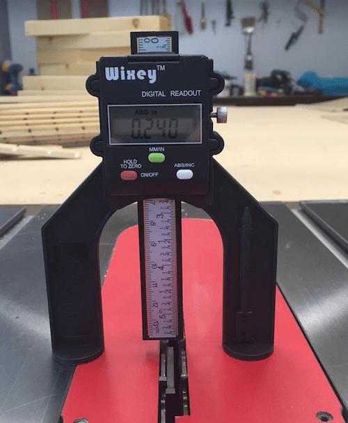 Digital height gauge