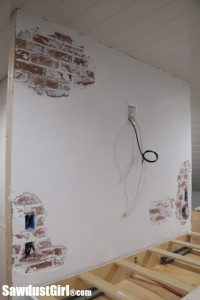 Chipped Plaster Brick Wall – faux technique