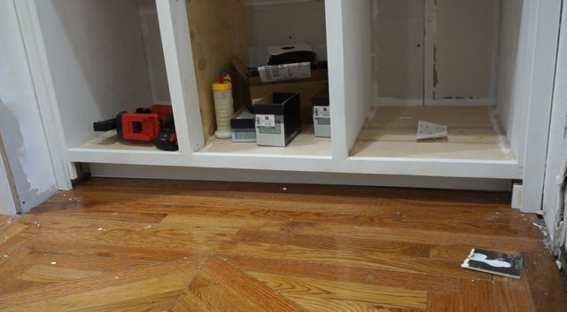 built-in-entry-hutch-outlet14