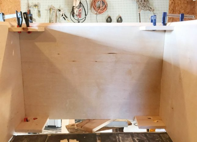 How to use clamping jigs to create cabinets with mitered corners