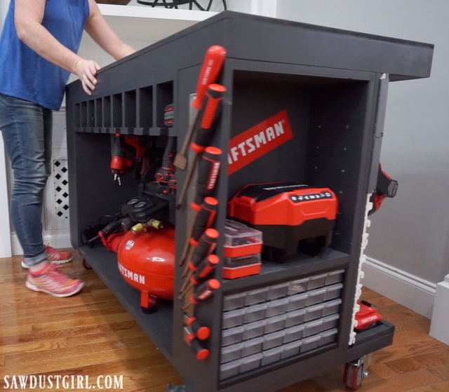 Store tons of tools on this mobile workbench